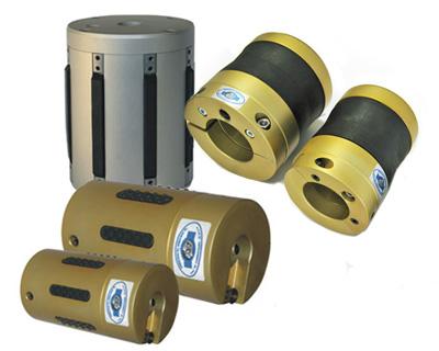 Pneumatische Adapter für viele verschiedene Hülseninnendurchmesser erhältlich.